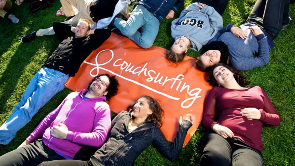 ligar haciendo couchsurfing